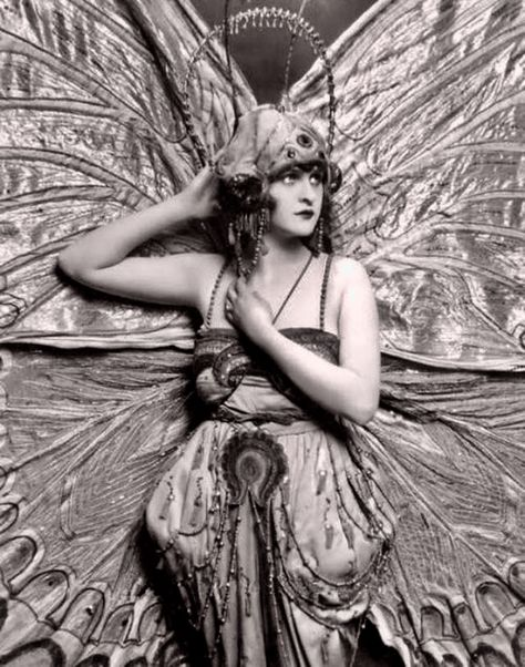 Showgirl Janet McGrew, 1920s, photo by Edward Thayer