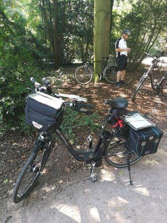 Voll Ausgestattetes Touren E Bike Mit Allen Taschen Und Equipment Fur Eine Mehrtagige Fahrradtour Fahrrad Fahren Fahrradtour Fahrrad