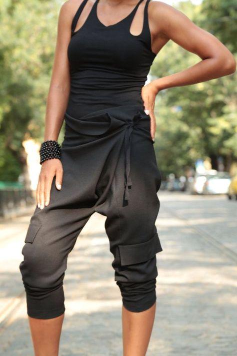 Womens Harem Pants Plus Size Pants Loose Pants Black Pants Fetish Clothing Harem Trousers Oversized Pants Capri Pants Avant Garde Sarouel Pants, Harem Trousers, Yoga Pants, Loose Pants, Wide Pants, Mode Yoga, Black Harem Pants, Black Capris, Harem Pants Outfit