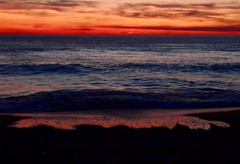 #sunset #ocean #myphotography #pictureodtheday #photooftheday #dowhatyoulove #believeinyourself #trustinyou #holiday #vsco #hossegor #hossegorbeach #naturelover #mypicture #iloveit #qualitytime