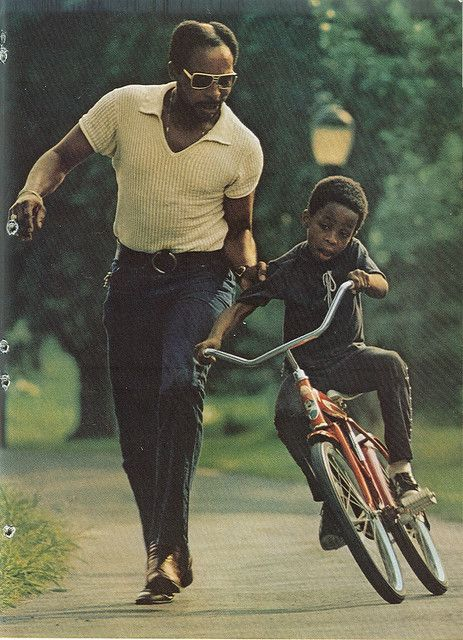 teaching him to ride a bike / papa moments Black Fathers, Fathers Love, Father And Son, Dad Son, Black Love, Black Is Beautiful, Black Men, Black Kids, National Geographic