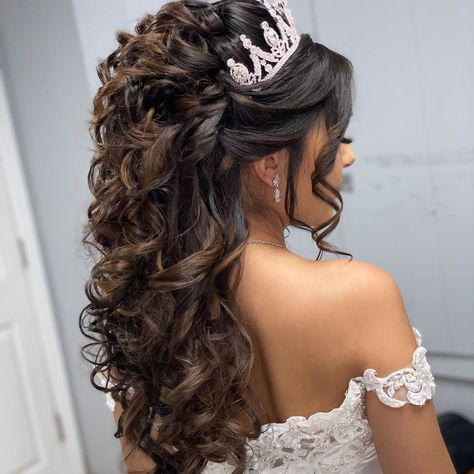 Check out 78 half up half down quinceanera hairstyles. try adding braids, bumps, or big/small crowns to this hairstyle! # small Braids crown Half Up Half Down Quinceanera Hairstyles Wedding Hair Half, Wedding Hairstyles Half Up Half Down, Elegant Wedding Hair, Half Up Half Down Hair, Bridal Hair, Wedding Updo, Sweet 16 Hairstyles, Quince Hairstyles, Bride Hairstyles