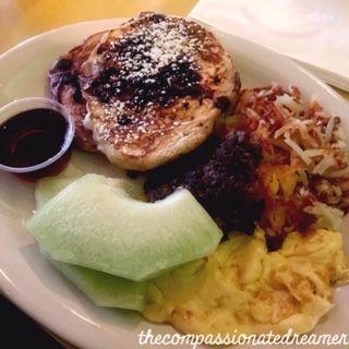 Big Vegan Breakfast At Golden West Happy Vegan Vegan For A Week Vegan Restaurants