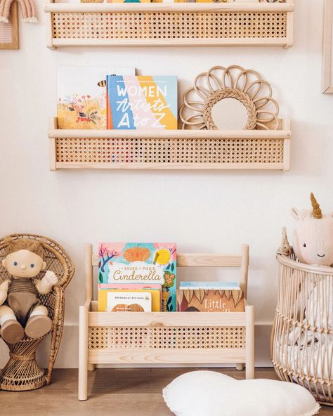 a cane book shelf using the FLISAT wall shelf from IKEA for this easy IKEA hack for your little kid's room. Bedroom Reading Nooks, Ideias Diy, Kid Spaces, Small Spaces, Nursery Decor, Boy Decor, Ikea Nursery, Diy Furniture, Dresser Furniture