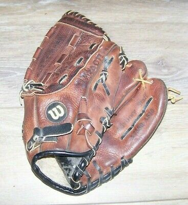 Vintage Wilson A2360 As10 Advisory Staff 11 Inch Baseball Glove Right Hand In 2020 Baseball Glove Vintage Baseball Gloves Rawlings Baseball