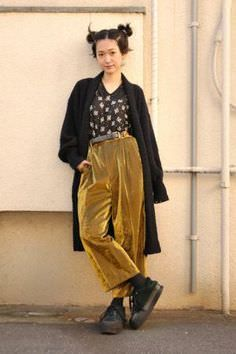 Gold velvet oversized trousers, print blouse, black trench and big black cons(isn). I love this outfit it's so cool.