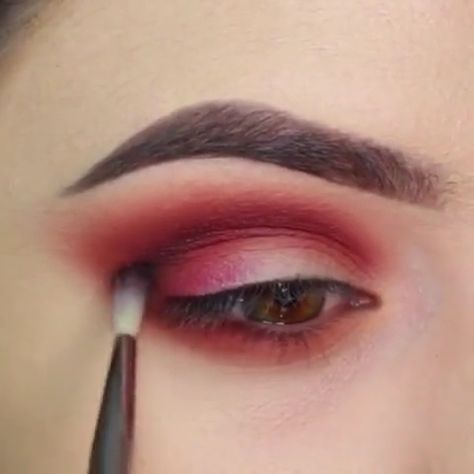Eye makeup ideas videos,For more videos and tips, please click on our website to view #colorfuleyemakeup