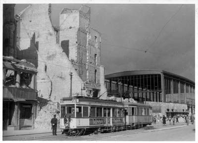 Beautiful The Zoo Station sometime during the war Berlin in War and Peace Pinterest Zoos and Flak tower