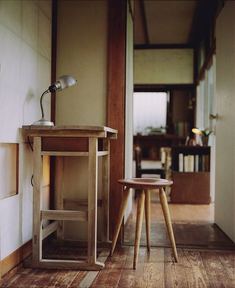 letter desk by (ku)nihito, via Flickr