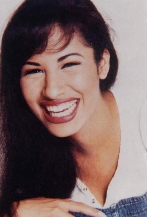 Five facts about late Tejano singer Selena Quintanilla as MAC Cosmetics pays tribute to her with its new makeup line. The Band, Selena Quintanilla Perez, Zz Top, Jenni Rivera, Willie Nelson, Daddy Yankee, Oprah, Johnny Depp, Cristina Saralegui