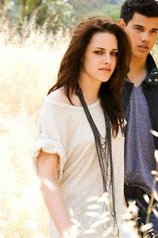 Pin By Sruthi Rahul On Twilight Taylor Lautner Kristen Stewart Celebrities