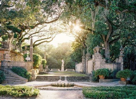If you were looking for (florida gardening), take a look below Arquitectura Wallpaper, Palace Garden, Florida Gardening, Beautiful Wedding Venues, Garden Wedding, Parks, Garden Design, Beautiful Places, Scenery