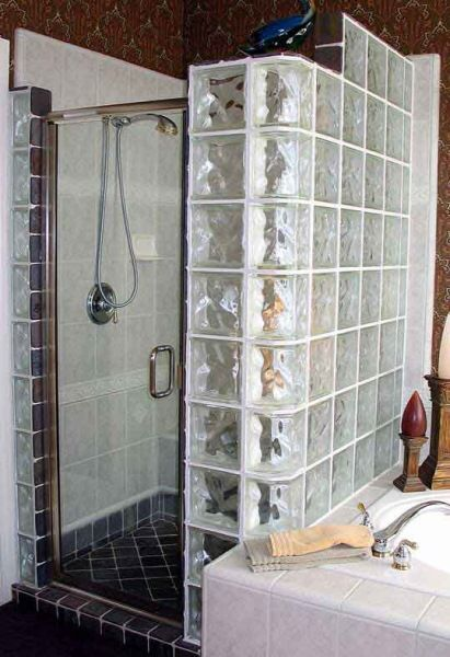 Cabina Dus Caramida Sticla.Cabina De Dus Zid Din Caramida Sticla Si Usa Batanta Glass Block Shower Stylish Bathroom Small Bathroom Remodel