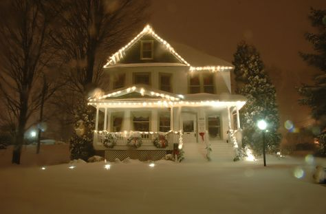 Find an early 20th century Christmas at home in the ca 1908 Jones House Community Center. Refreshments -- Mazie Jones Art Gallery | Downtown Boone, NC