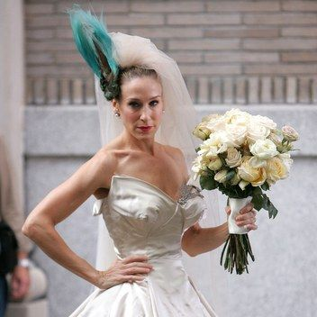 Sarah Jessica Parker Designed A Nontraditional Bridal Line That Carrie Bradshaw Would Swo Movie Wedding Dresses Carrie Bradshaw Wedding Dress Wedding Dresses