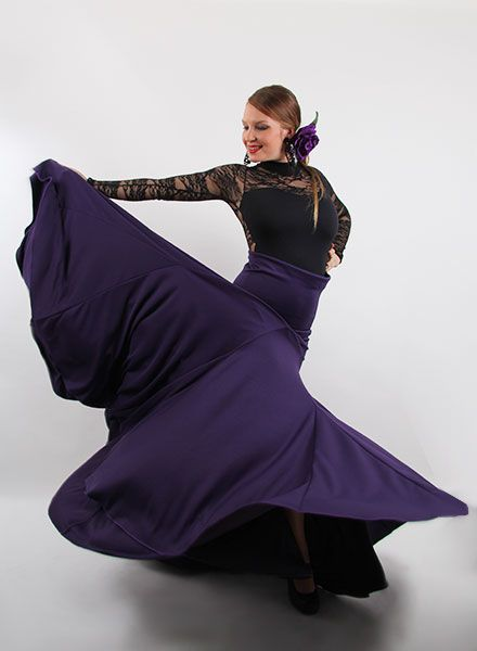 0694b2da1 Pin de El Rocío Moda flamenca en trajes de flamenca en Faldas ...