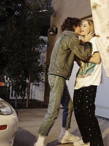 Couple Couples Lovers Kissing Aestheticcouple Aesthetic Girl