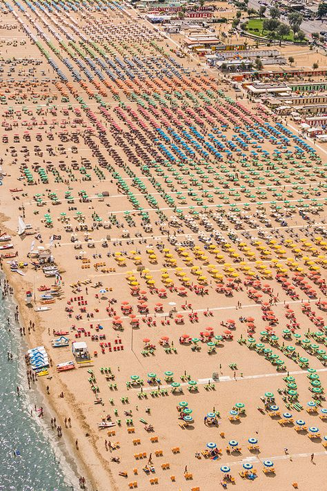 Gorgeously Geometric Aerial Photos of Colorful Umbrellas on an Italian Beach