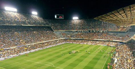 Valencia football club bought by billionaire Peter Lim