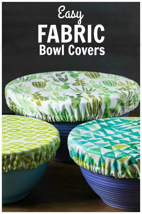 Instead of using plastic wrap, why not create your own fabric bowl covers. Great for keep insects out at picnics and makes a nice house warming gift. # Useful Sewing Projects Fabric Bowl Covers Tutorial - Easy Beginner Sewing Project Easy Sewing Projects, Sewing Projects For Beginners, Sewing Hacks, Sewing Crafts, Sewing Tips, Scrap Fabric Projects, Sewing Ideas, Crafts With Fabric, Baby Sewing Tutorials