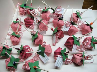Strawberry Lollipop boxes and a free pattern for SCAL!