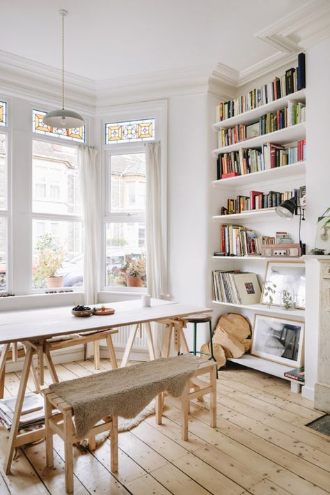 my scandinavian home: Victorian Charm Meets Modern Scandinavian Style In A Lovel. my scandinavian home: Victorian Charm Meets Modern Scandinavian Style In A Lovely Bristol Home Scandinavian Style, Scandi Style, Scandinavian Bookshelves, Living Room Decor, Living Spaces, Dining Room, Decor Room, Design Apartment, Studio Apartment