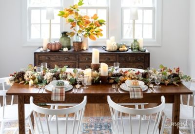 Cozy And Inviting Thanksgiving Table Decor In 2020 Thanksgiving Table Decorations Table Decorations Thanksgiving Table
