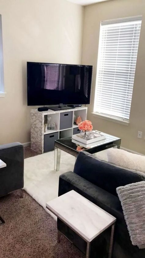22+ Awesome First Apartment Decorating Ideas on A Budget #apartment #apartmentdecorideas #apartmentideasonabudget < moeshouse