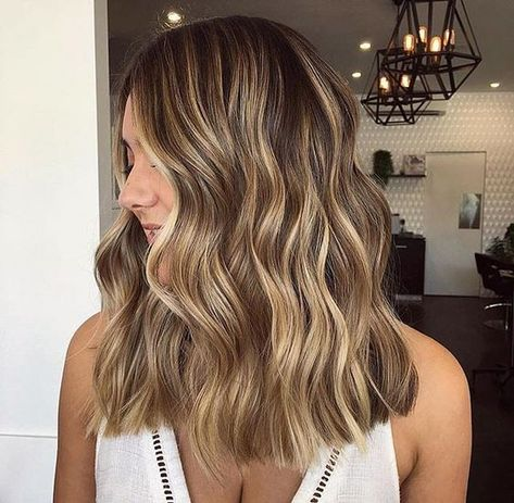 2019 Fashion Highlighted Hair Style