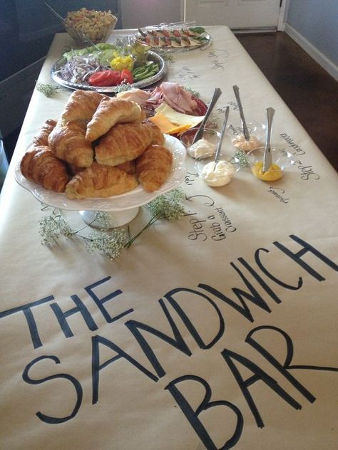 If your guests prefer to create their own lunch, a sandwich bar could be a great option. The brown craft paper with the sandwich bar sign adds fun touch! Sandwich Bar, Sandwich Station, Sandwich Recipes, Comida Para Baby Shower, Fingers Food, Free Baby Shower Games, Festa Party, Snacks Für Party, Party Games
