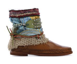 Zoekresultaten voor 'karma of charme boots santa cruz 7
