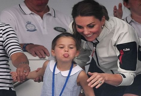 """It was big news that Princess Charlotte, the daughter of Prince William and his wife Kate Middleton, held out her tongue to the audience at a sailing competition on Thursday. On social media and on British sites there are, in addition to predominantly positive reactions, also a number of negative messages about 'the tongue of … The post """"That's not naughty, but rude"""": Britons spread over the tongue of Princess Charlotte appeared first on Afrinik."""