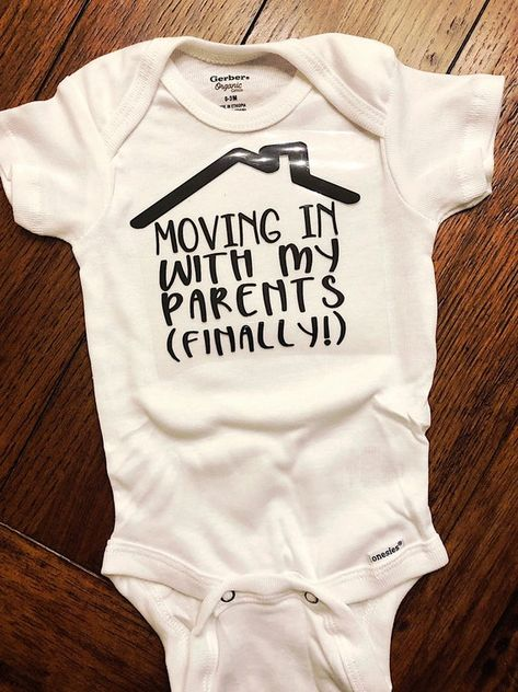 Excited to share this item from my shop: Moving in with my parents - Peace Out NICU - NICU baby onesie - nicu graduate - going home onesie - preemie baby gift - preemie baby onesie Diy Baby Gifts, Baby Shower Gifts, Funny Baby Gifts, Baby Crafts, Going Home Outfit, Preemie Babies, Nicu, Baby Socks, Funny Babies