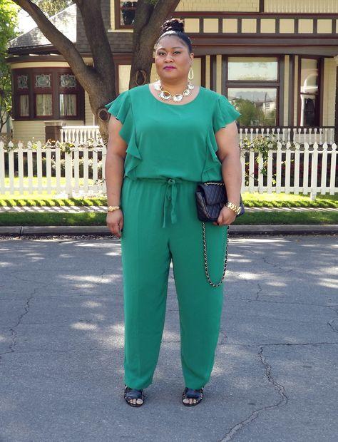 Plus size fashion blogger Kiah of fromthereztothecity.blogspot.com wearing DKNYC jumpsuit.