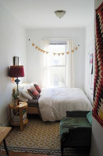 60 Awesome Bedroom Ideas For Small Spaces Sharp Aspirant Small Bedroom Decor Small Bedroom Layout Small Bedroom Ideas On A Budget