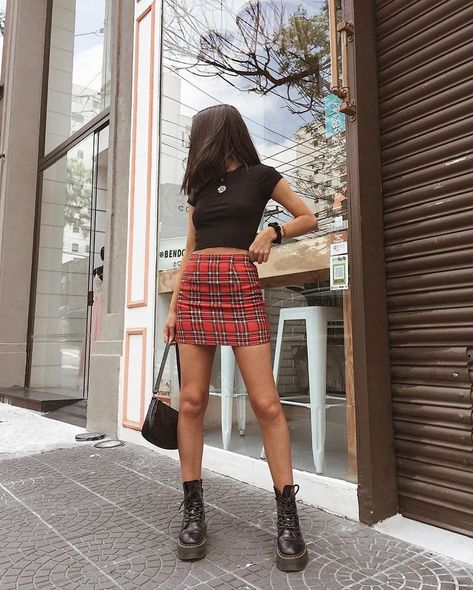 These 15 plaid skirt outfit ideas are perfect for summer, winter, a party and a night out.  #Grundge#Preppy#90s#Red#Pleated#Yellow#Pink#Blue#Black#PlaidSkirtOutfits#Fashion#AestheticFashion#PlaidClothes#PlaidOutfitIdeas