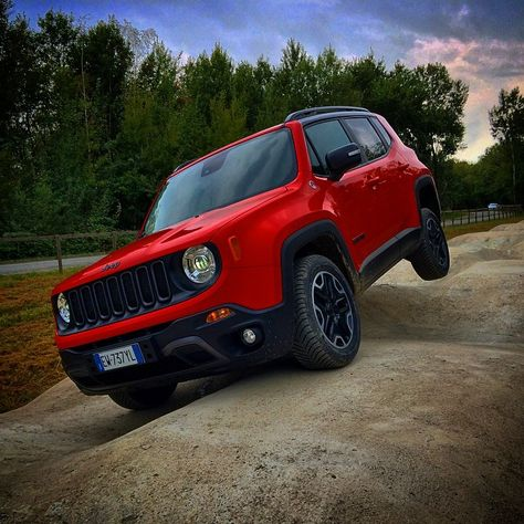 2015 Jeep Renegade Via Motoringmiddleeast Jeep Renegade 2015