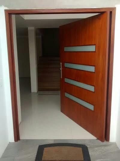 Cerradura seguridad puerta principal