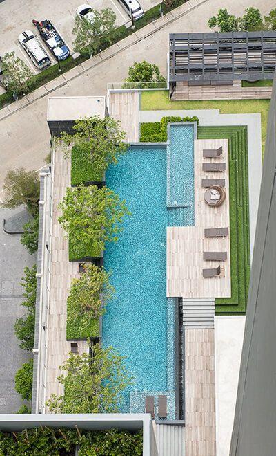 Hilton Rooftop Pool Swimming