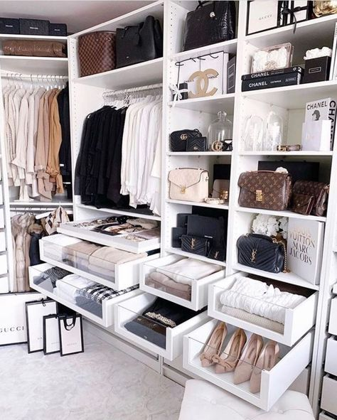 135 best walk in closet ideas and picture your master bedroom - page 10 ~ Modern House Design Walk In Closet Design, Bedroom Closet Design, Master Bedroom Closet, Closet Designs, Bedroom Decor, Bedroom Ideas, Modern Master Bedroom, Dream Closets, Dream Rooms
