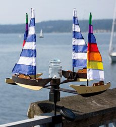 solar--and-wind--powered-sailboat-spinner-with-led-beacon-light