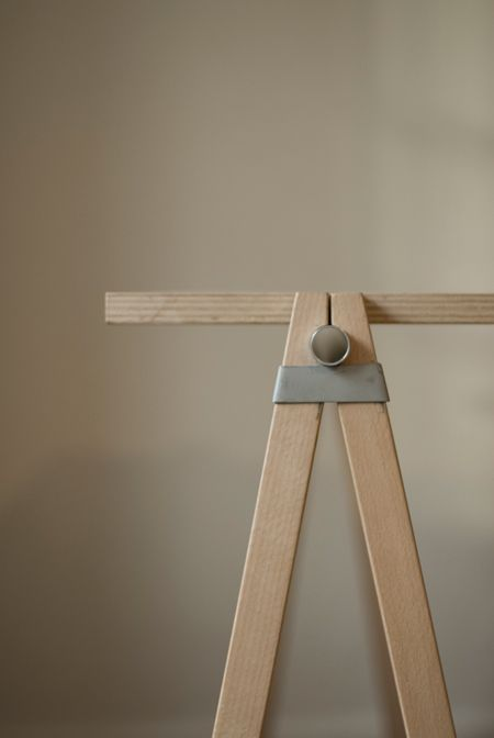MUJI - TABLE: A sytem that provides different kinds of tablesurfaces. It consists of two trestles without any kind of screws. Easy to built up and variable. Photo: Gerhard Kellermann