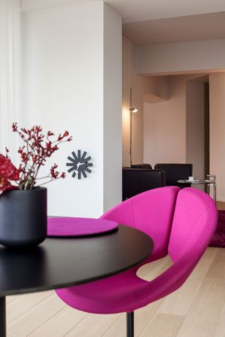 Tafel orfis - Metaform   meubart   totaal interieurconcept: van kleuradvies, gordijnen en verlichting tot een selectie hedendaagse kunst