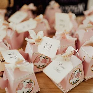 Hugs And Kisses Wedding Favor Bags From New Mr Mrs Favors Printed Handmade Personalized Wedding Favors Wedding Favor Bags Personalized Wedding Bags