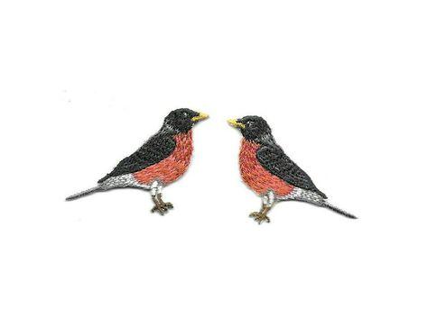 BIRD CHUBBY CHICKADEE IRON ON PATCH   2 1//2 X 2 1//4 inch
