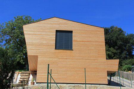 Wohnhaus Mit Holzfassade Aus Rhombuslatten Holzfassade Holzfassaden Fassade