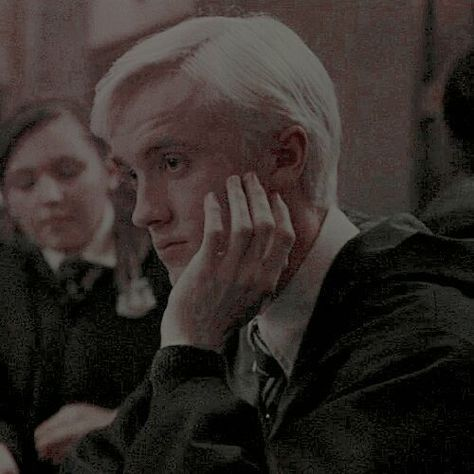 Harry Potter Icons, Mundo Harry Potter, Harry Potter Draco Malfoy, Harry Potter Characters, Hermione Granger, Harry Potter Facts, Fictional Characters, Dramione, Drarry