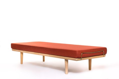 Danish Design Meubels : Vintage danish hans wegner daybed in oak vintage furniture base