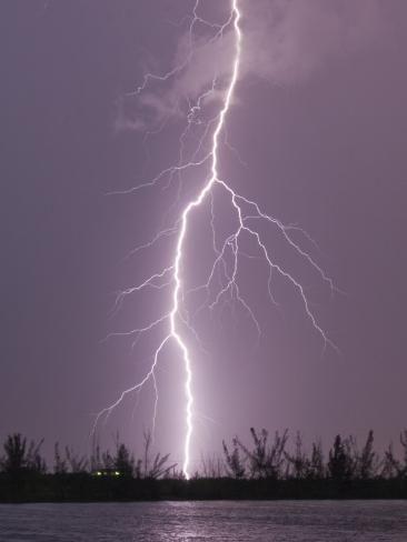 Lightning Storms Aesthetic Lightning Storms Aesthetic Blitzsturme Asthetisch Foudre Orage In 2020 Summer Thunderstorm Lightning Storm Thunderstorm And Lightning