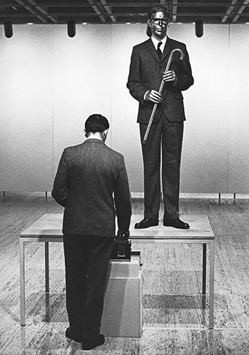 Gilbert George Present The Singing Sculpture At The Art Gallery Of New South Wales Australia As Part Of Their Project In 197 Gilbert George Gilbert George